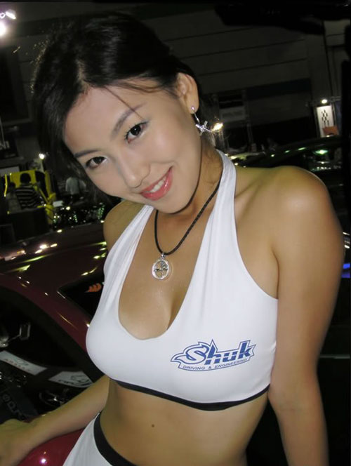 Japanese booth babe